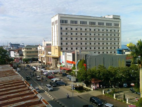 Pontianak Indonesia  city pictures gallery : Pontianak, an Equator City on the Banks of the Indonesia's Longest ...