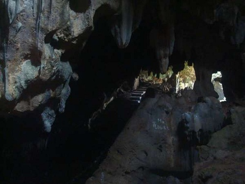 Lawa Cave Architecture