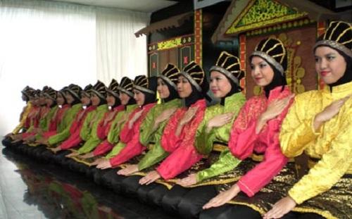 Saman Dance (Aceh)