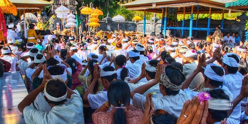 Bali Traditional Ceremonies (Galungan And Kuningan)