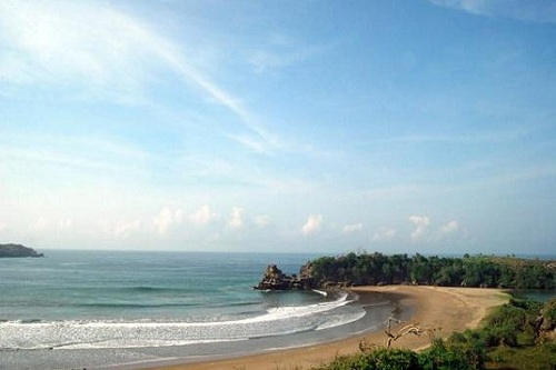 The Serit Beach, Blitar