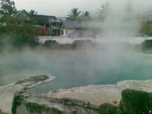 Semurup hot water swim in Jambi