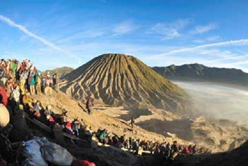 Mount Bromo (Kasada Ceremony)
