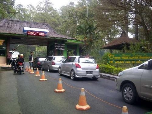 Tangkuban Parahu Entrance