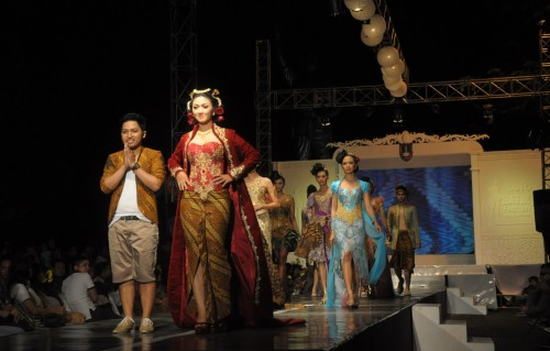 Solo Batik Fashion
