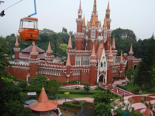 Taman Mini Indonesia Indah (Istana Anak-Anak)